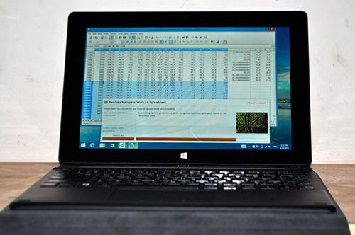 """Đánh giá máy tính """"biến hình"""" của CINK TAB - 1"""