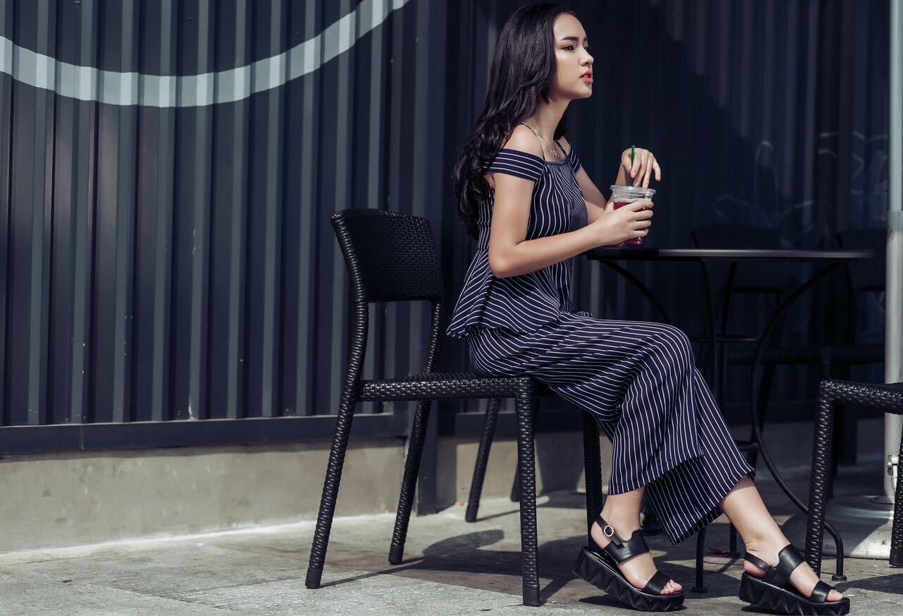 Hot girl cá tính Châu Bùi bất ngờ dịu dàng xuống phố - 6