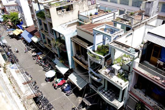 Cận cảnh chờ sập ở chung cư Cô Giang - 5