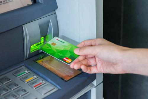 Thời điểm vàng để sở hữu thẻ tín dụng - 1