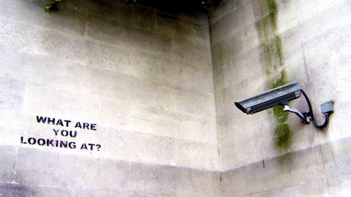 Hàng nghìn camera giám sát đang bị hacker điều khiển - 1