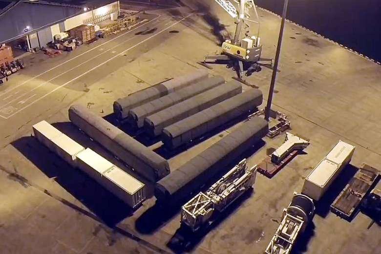 Singapore gửi tàu hỏa nội đô nhập từ TQ về nơi sản xuất - 1