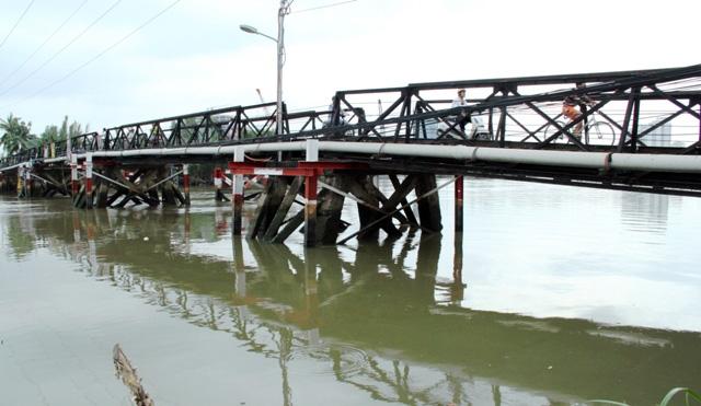 """Cận cảnh cây cầu mỗi lần qua phải """"nín thở"""" ở Sài Gòn - 1"""