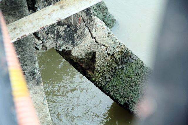 """Cận cảnh cây cầu mỗi lần qua phải """"nín thở"""" ở Sài Gòn - 9"""