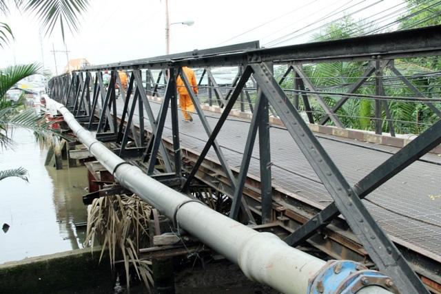 """Cận cảnh cây cầu mỗi lần qua phải """"nín thở"""" ở Sài Gòn - 13"""