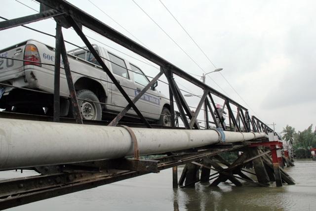 """Cận cảnh cây cầu mỗi lần qua phải """"nín thở"""" ở Sài Gòn - 12"""