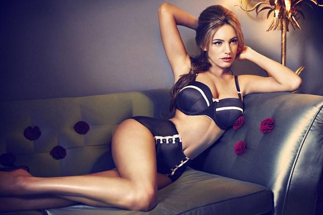 2 mỹ nữ phồn thực lọt danh sách mặc bikini đẹp nhất - 4