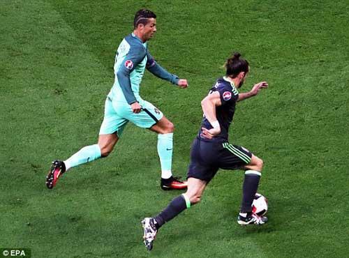 """Tóc mới của Ronaldo bị """"ném đá"""" thậm tệ - 10"""