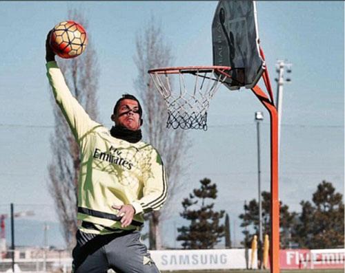 Ronaldo có thể chơi được bao nhiêu môn thể thao? - 3