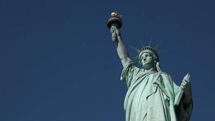 Tượng Nữ thần Tự do bị nghi ngờ là đàn ông - 1