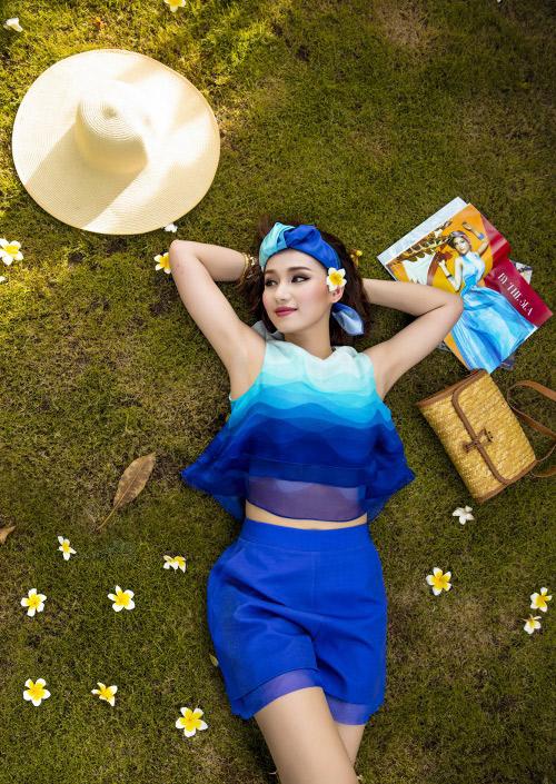 Lã Thanh Huyền rạng ngời với váy áo ombre tươi mát - 4