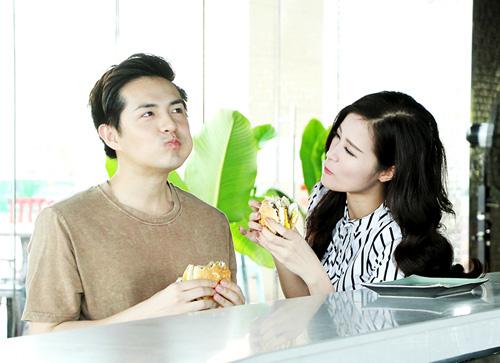 """8 năm yêu của Đông Nhi được """"gói gọn"""" trong một MV - 4"""