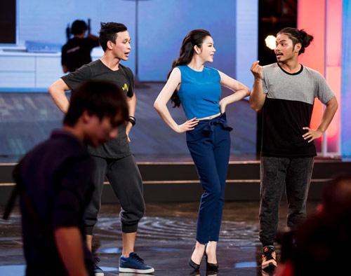 Lý Nhã Kỳ bất ngờ khoe vũ đạo trên truyền hình - 1