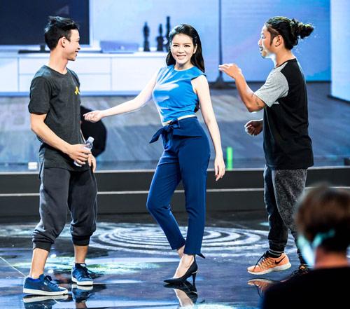 Lý Nhã Kỳ bất ngờ khoe vũ đạo trên truyền hình - 3