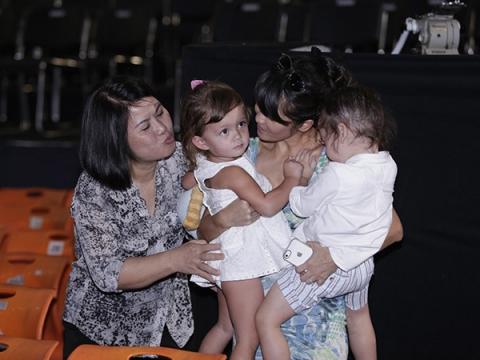 Chân dung người mẹ kế đặc biệt của Diva Hồng Nhung - 3