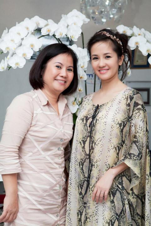 Chân dung người mẹ kế đặc biệt của Diva Hồng Nhung - 1