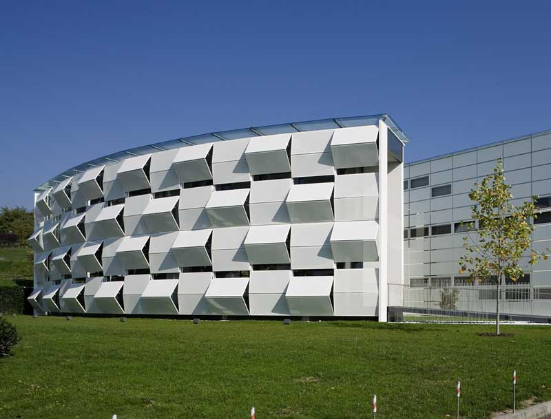 Áo: Tòa nhà thay đổi mặt tiền cả chục lần mỗi ngày - 10