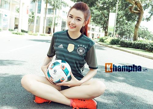 Người đẹp Phương Chi: Xứng danh fan cuồng tuyển Đức - 1