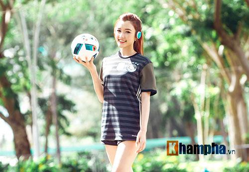 Người đẹp Phương Chi: Xứng danh fan cuồng tuyển Đức - 2