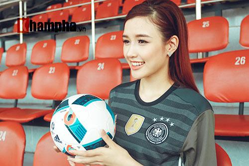 Người đẹp Phương Chi: Xứng danh fan cuồng tuyển Đức - 4