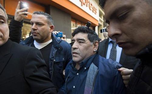 Maradona 'quậy tung' vì không được dẫn dắt Argentina - 1