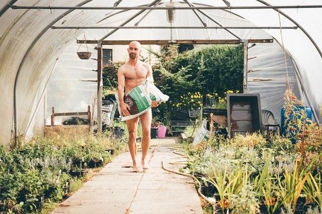 Đức: Được phép khỏa thân trong vườn dù hàng xóm nhức mắt - 1