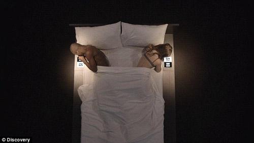 Thêm chương trình cởi đồ, lên giường...hẹn hò gây sốc - 5