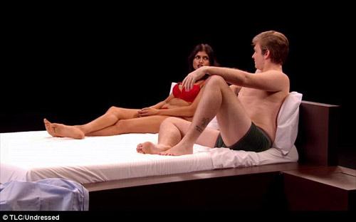 Thêm chương trình cởi đồ, lên giường...hẹn hò gây sốc - 2