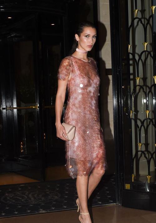 Hot girl Hollywood gây chú ý với váy xuyên thấu nội y - 2