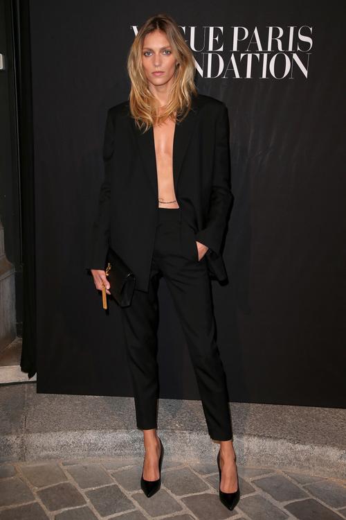 Hot girl Hollywood gây chú ý với váy xuyên thấu nội y - 7
