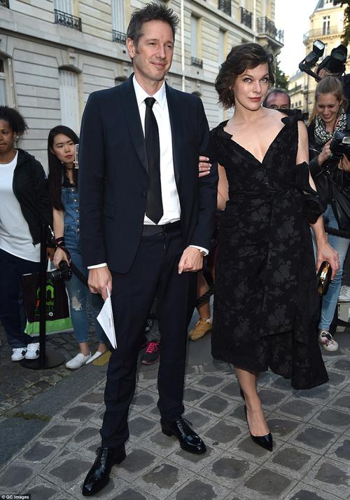 Hot girl Hollywood gây chú ý với váy xuyên thấu nội y - 9