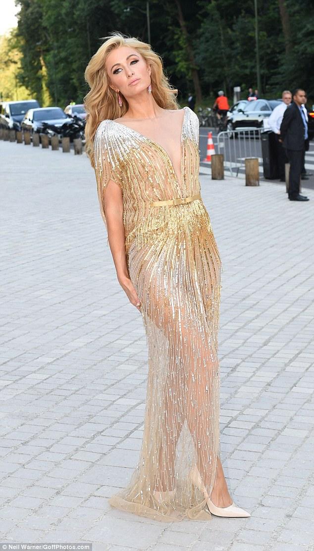 Hot girl Hollywood gây chú ý với váy xuyên thấu nội y - 11