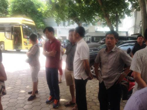 Trưởng phòng Văn hóa Cửa Lò giải cứu 90 du khách - 2