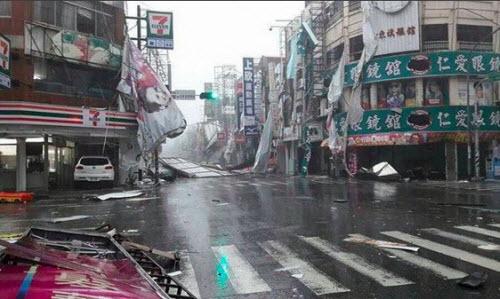 Siêu bão càn quét bờ biển Đài Loan, hướng sang TQ - 1