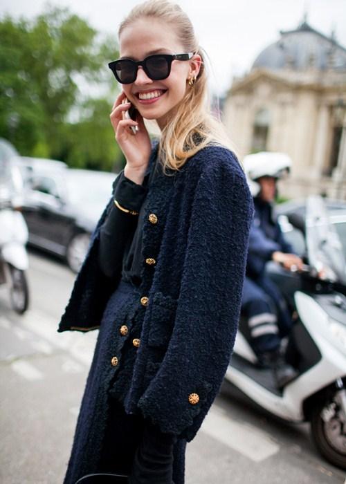 Áo khoác - Vật bất ly thân của tín đồ ở Paris Fashion Week - 5