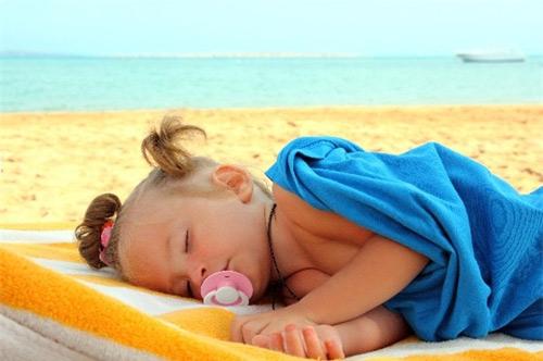 4 bệnh phổ biến hầu như trẻ nào cũng mắc trong mùa nóng - 1