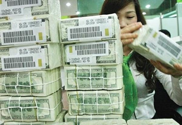 Nợ công nguy cơ vượt trần: Việt Nam làm gì để vượt qua? - 1