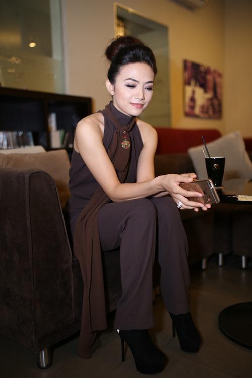 """Phi Thanh Vân ủng hộ Tinna Tình ra MV về scandal """"Mặt nạ máu"""" - 4"""