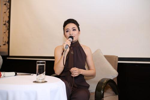 """Phi Thanh Vân ủng hộ Tinna Tình ra MV về scandal """"Mặt nạ máu"""" - 1"""