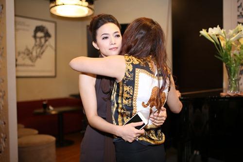 """Phi Thanh Vân ủng hộ Tinna Tình ra MV về scandal """"Mặt nạ máu"""" - 3"""
