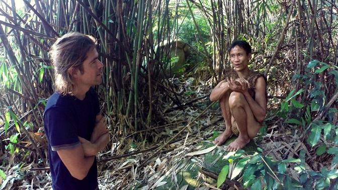 """""""Người rừng"""" Hồ Văn Lang khiến báo nước ngoài phát sốt - 2"""