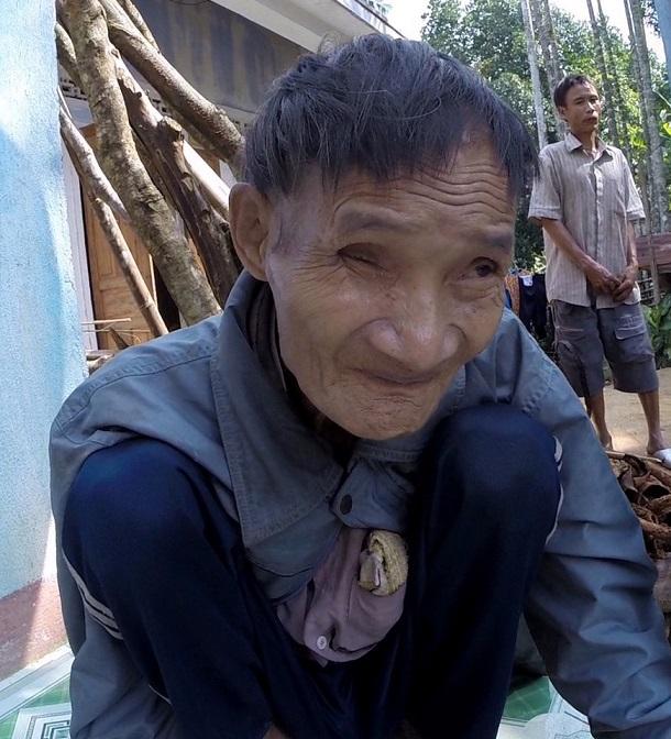 """""""Người rừng"""" Hồ Văn Lang khiến báo nước ngoài phát sốt - 3"""