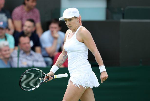 Loạt váy áo ngắn, hở, lạ gây ồn ào tại Wimbledon 2016 - 10