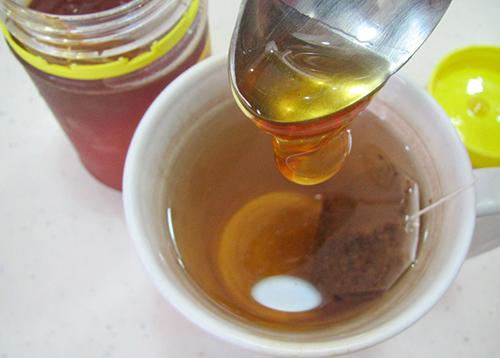 Tự chế nước tẩy trang bằng trà xanh - 2