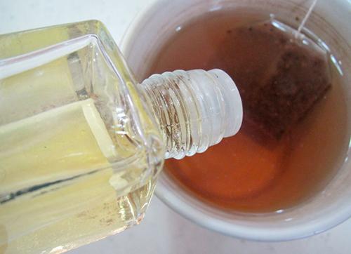 Tự chế nước tẩy trang bằng trà xanh - 3