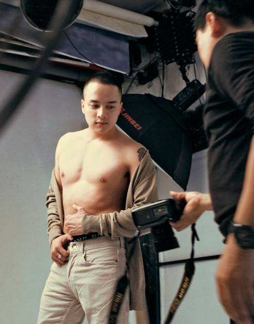 """Cao Thái Sơn tung hình """"nóng"""" sau lệnh cấm ảnh nude dỡ bỏ - 10"""