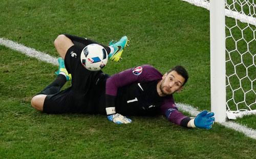 Dream Team bán kết Euro: Gọi tên siêu sao tấn công - 1