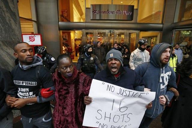 Vì sao cảnh sát Mỹ bắn chết nhiều người nhất thế giới? - 4