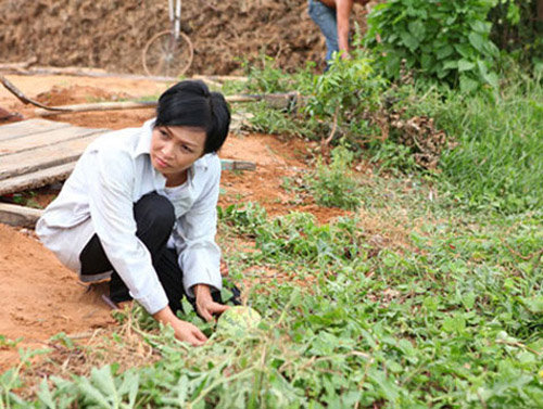 Choáng với cảnh nghèo đói của sao Việt trên màn ảnh - 12