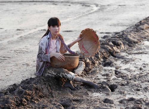 Choáng với cảnh nghèo đói của sao Việt trên màn ảnh - 14